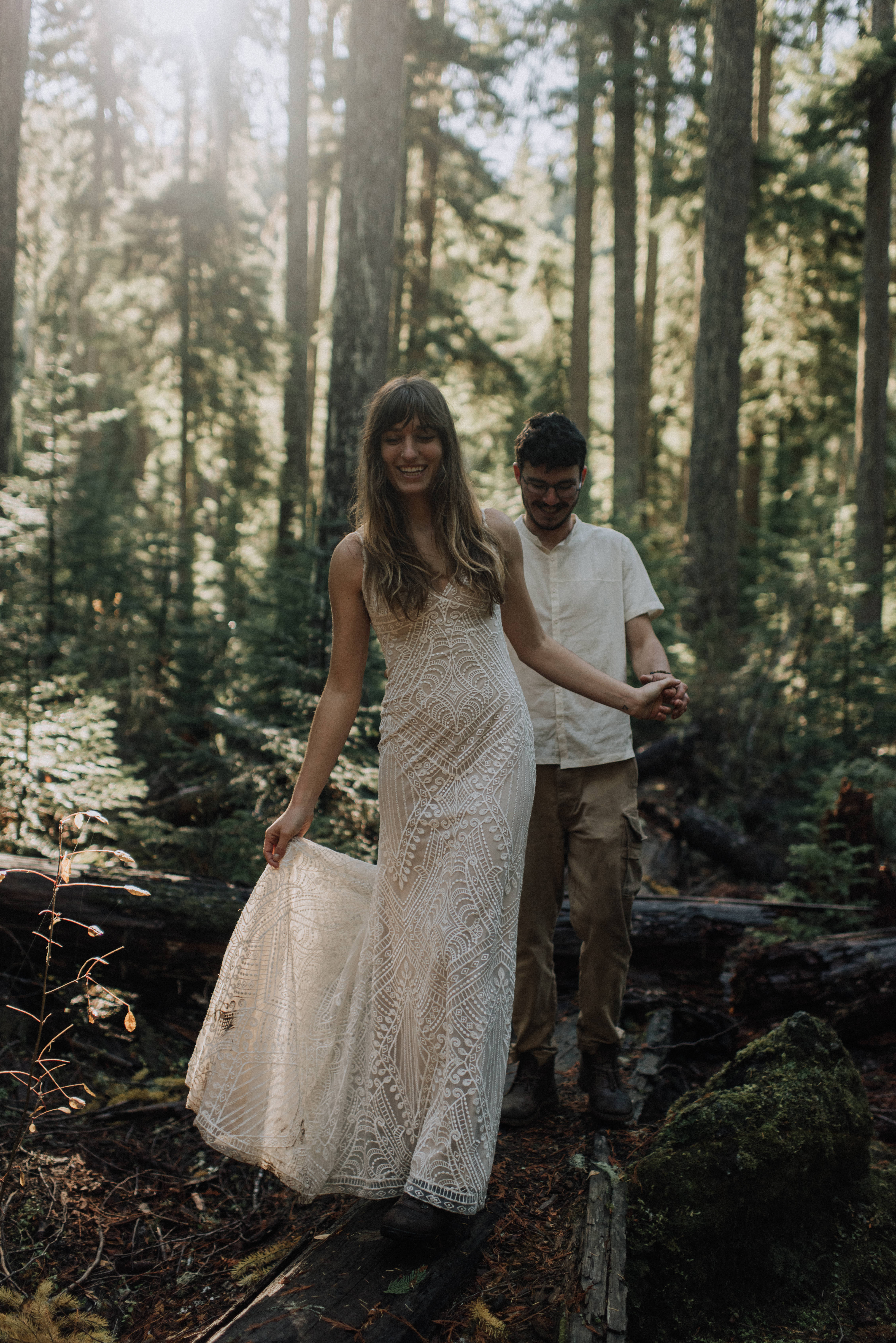 mckenzie river waterfall adventure elopement near eugene oregon by naomi levit