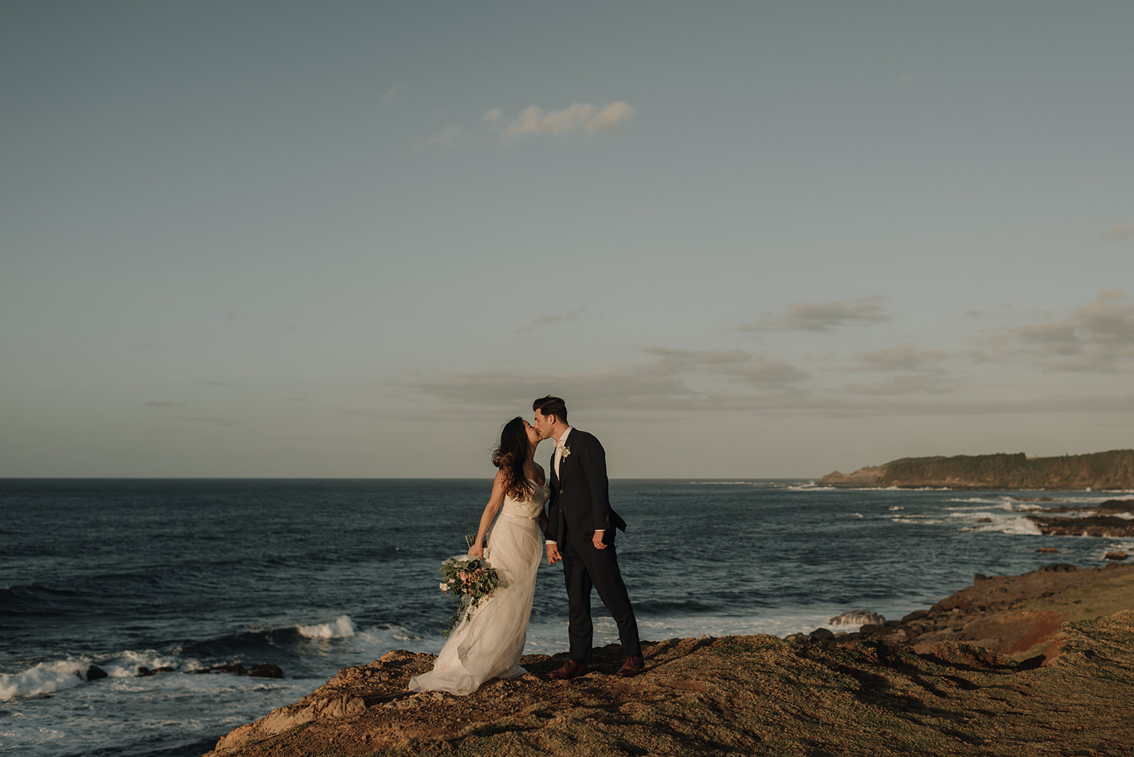 brookings oregon beach elopement with oregon wedding photographer naomi levit