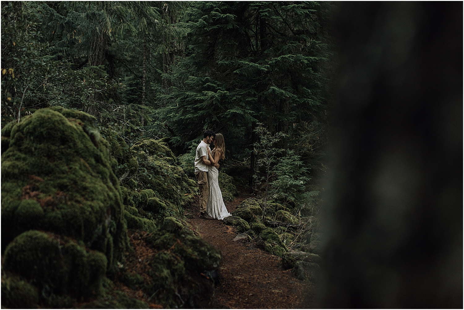 10 ways to have an eco friendly wedding with oregon elopement photographer naomi levit