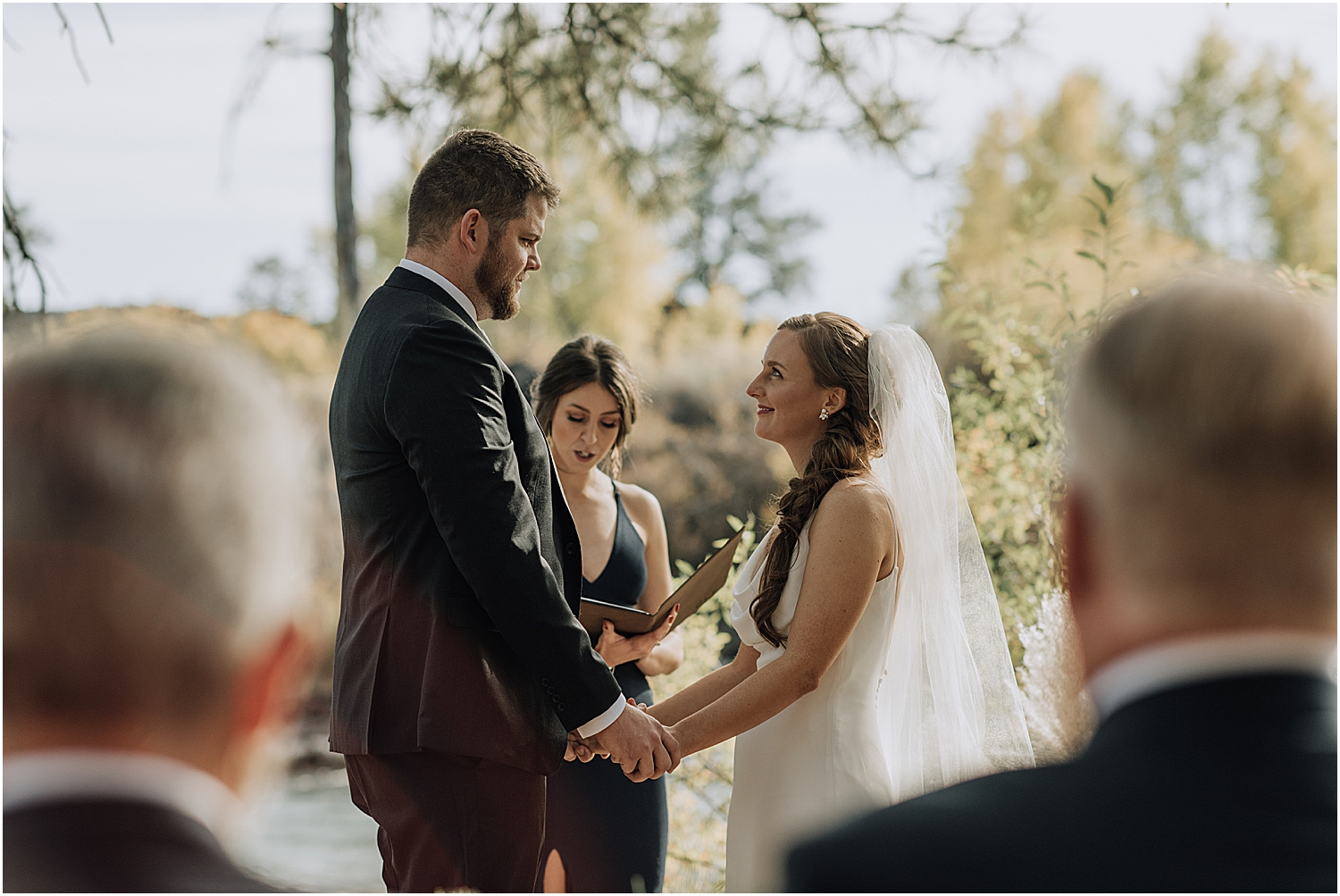 reagan and jared's dillon falls elopement in bend oregon with wedding photographer naomi levit